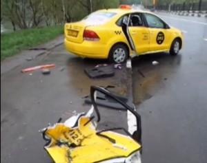 Таксист в Москве бросил раненую девочку умирать в машине