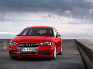"""Компания Audi обнародовала новые цены на """"горячую"""" S3"""