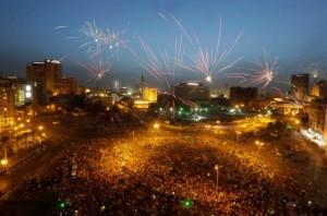 Фейерверки и праздники охватили Египет после избрания экс-командующего сухопутными войсками на пост президента страны