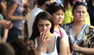 Госдуме не удалось поставить запрет на курение женщин до 40 лет