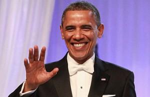 Обаму, раскритиковали французы в соцсетях, потому что он жевал жвачку в Нормандии