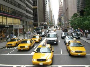 Самый старый нью – йоркский таксист возит клиентов на скорости 20 км/ч