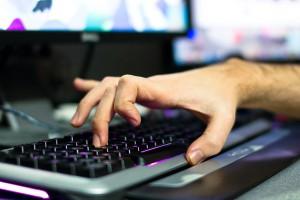 Список самых опасных хакеров, составленный ФБР, пополнил россиянин