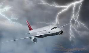 В самолёт сборной Испании, возвращающийся домой, ударила молния