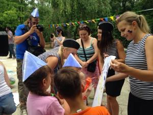«Дочери офицеров» из проекта «Сеть» посетили беженцев в Ростове-на-Дону