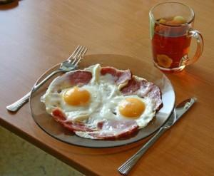 Ученые: неправильный завтрак может привести к ожирению