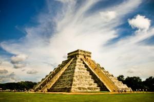 Археологи планируют найти под древней пирамидой Майя подземные ходы