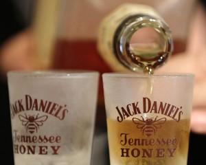 В Jack Daniel's Роспотребнадзор нашел средство от клещей