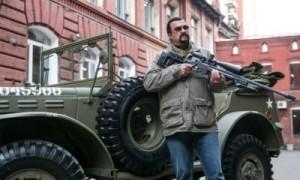 """""""Калашников"""" отказался от рекламного ролика со Стивеном Сигалом"""
