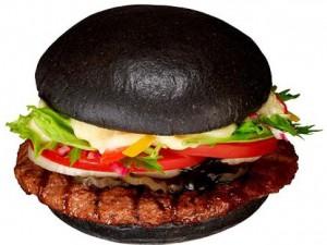 В японском Burger King можно купить черные бургеры