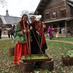 """В Новгороде на """"Капустки"""" съели 350 кг капусты"""