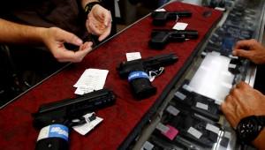 """В американскую """"черную пятницу"""" колоссально возросли продажи оружия"""