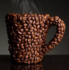 Четыре чашки кофе за день на четверть снижают риск заболеть диабетом