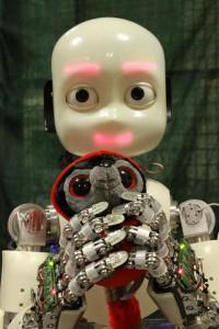 Продажи человекоподобных роботов iCub стартовали в России