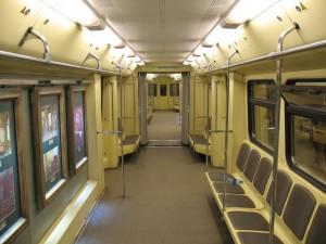 Руководство метрополитена Москвы обязали ездить на метро