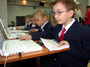 В России создадут единую базу электронных досье на школьников