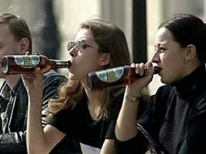 В столичных парках хотят узаконить продажу алкоголя