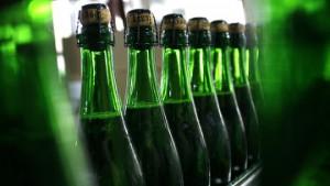 Госдума разрешила рекламу вина и пива