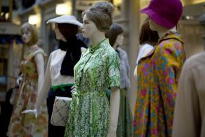 Мировые производители одежды прекратили поставки товара в Россию