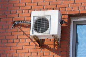 В Москве запретят устанавливать на фасадах зданий кондиционеры