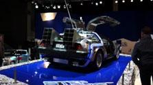 """В Брюсселе на автосалоне представили автомобиль из """"Назад в будущее"""""""