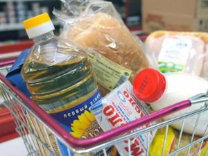 Крупнейшие торговые сети заморозят стоимость самых важных продуктов