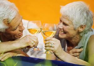 Алкоголь полезен только для женщин в возрасте - ученые