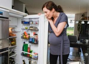 Переедание во время беременности может спровоцировать диабет у малыша - ученые