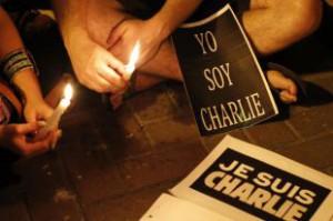 В Париже вандалы осквернили мемориал памяти жертв теракта Charlie Hebdo