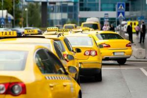 Забастовка московских таксистов не повлияла на работу транспорта