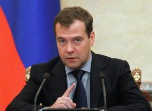 Медведев указал США на безответственную политику в Сирии