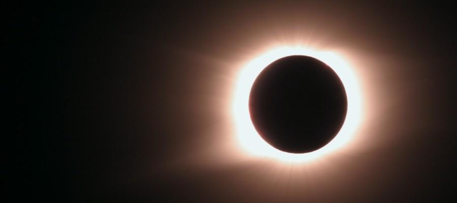 Ученые: селфи опасны во время солнечного затмения