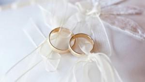 В России могут запретить жениться должникам