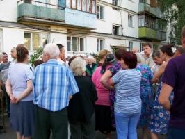 Встреча депутатов с пострадавшими жителями общежитий  в МО Парнас дала первые плоды