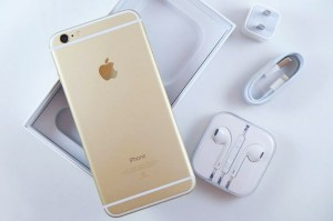 Гаджеты Apple и Samsung не подвластны курсам валют