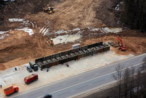На Минском шоссе начинают строить военный мост