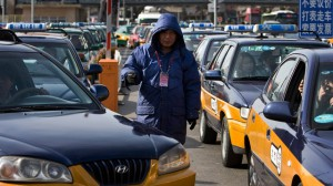 В Пекине таксисты в знак протеста выпили пестициды