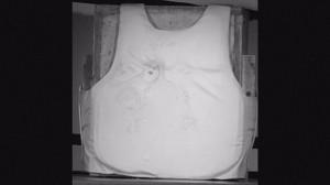 В производстве бронежилетов кевлар заменит пуленепробиваемая жидкость