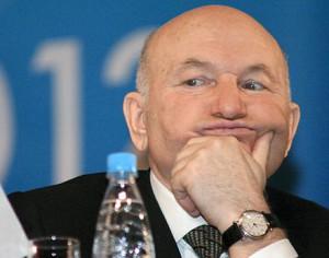 Юрий Лужков станет импортером продуктов для сети ресторанов Михалкова и Кончаловского
