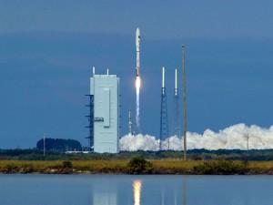 США запустили мини - шаттл с секретной миссией в космос