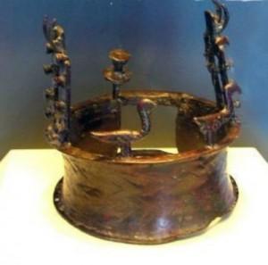 В Нью-Йорке показали древнейшую в мире корону из пещер Мертвого моря