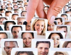Статус в социальных сетях влияет на реальные отношения
