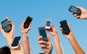 Привычка постоянно проверять телефон ведет к сбоям в организме - ученые