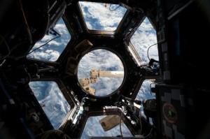 Виктор Рогозин, вице-премьер РФ заявил, что существующие амбиции в сфере космических технологий могут усугубить нынешнее экономическое положение России.
