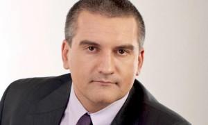 Сергей Аксенов рассчитывает на крымских чиновников в управлении полуостровом