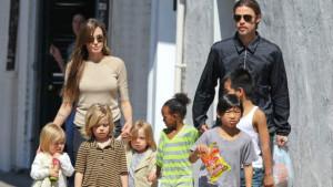 Бред Питт и Анджелина Джоли присматривают недвижимость в Британии