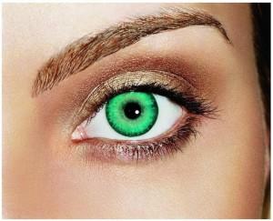 Медики: Косметические контактные линзы опасны для здоровья