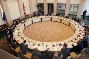 На круглом столе в Москве эксперты обсудили новый формат управления городским пассажирским транспортом