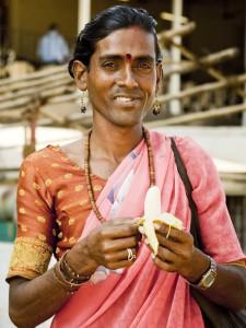 Транссексуал из США пытается вернуться домой с помощью индийского суда