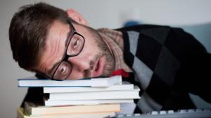 Ученые: Хроническое недосыпание опаснее чем курение